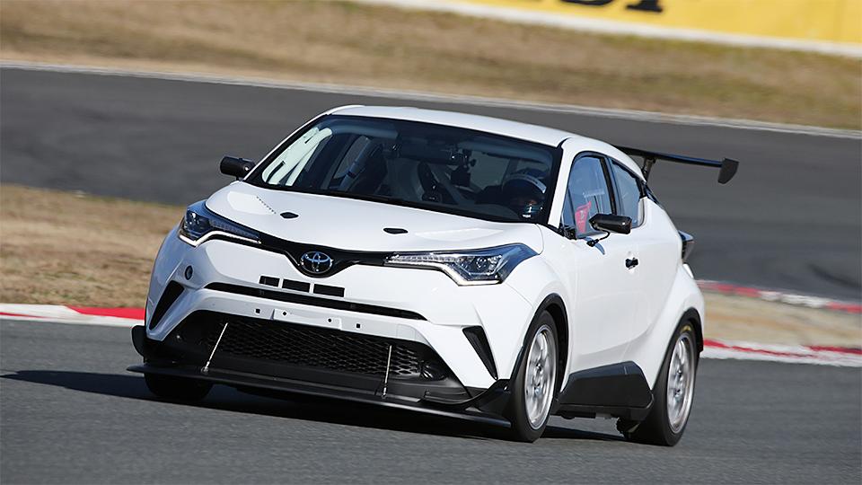 «Тойота» вывела на трек кроссовер для «24 часов Нюрбургринга»