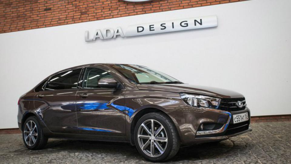 Удлиненный седан Lada Vesta испытают на чиновниках
