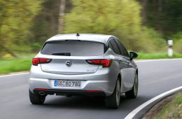 Хэтчбек Opel Astra получил новый битурбо дизель