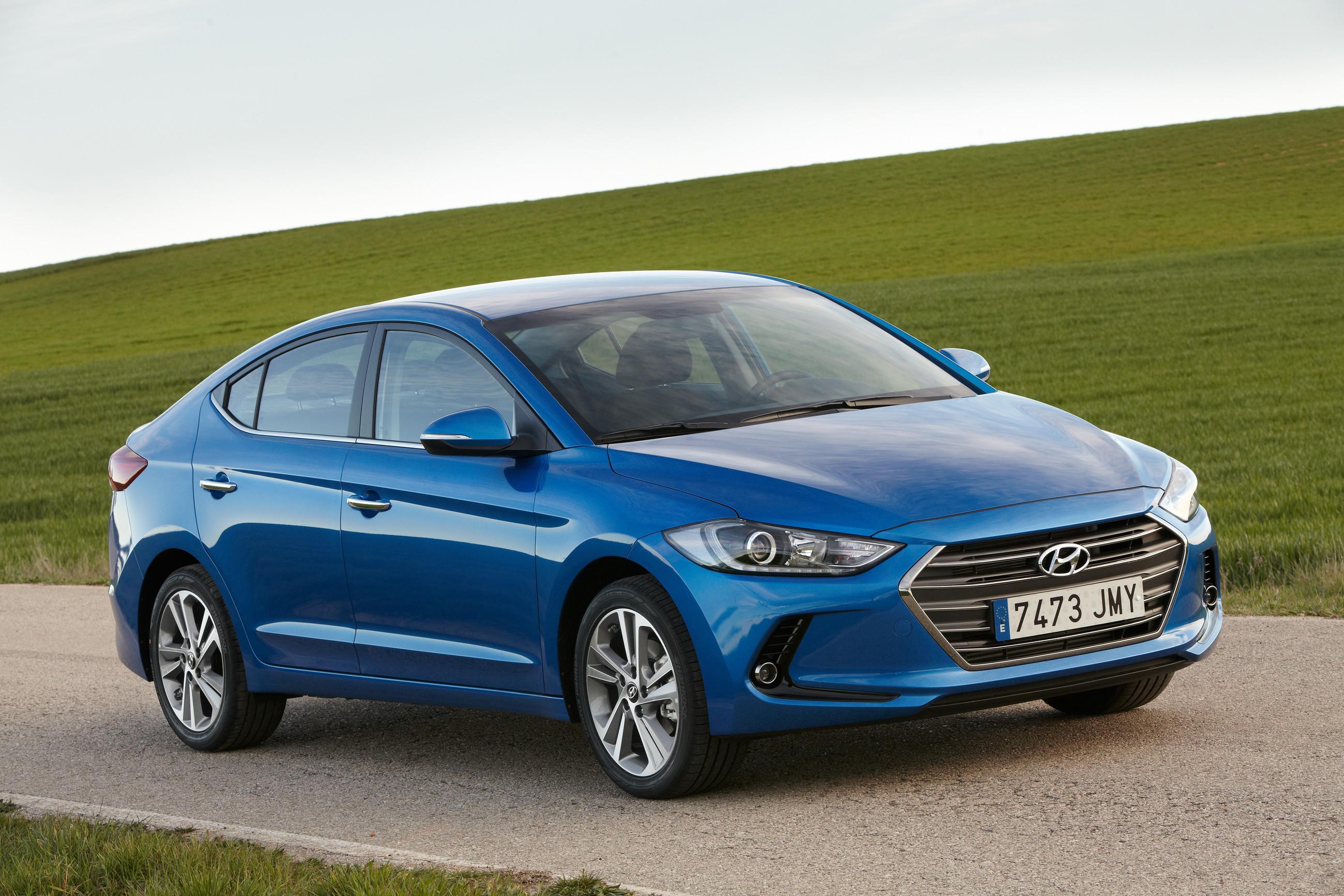 Hyundai Elantra сменил поколение, но почти не подорожал