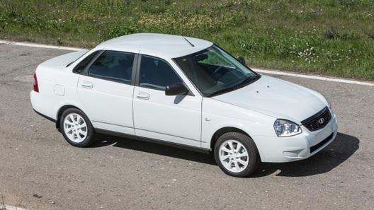 Lada Priora получила «черную» и «белую» версии