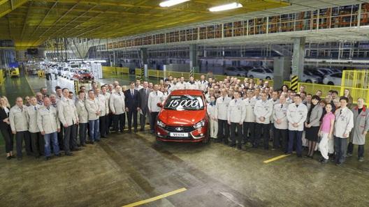 Работникам «АвтоВАЗа» повысят зарплату