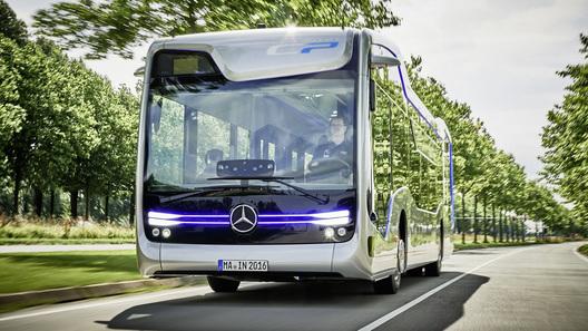 Автобус-беспилотник от Daimler прокатился по Амстердаму