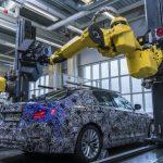 """Роботы BMW научились создавать трехмерную модель новой """"пятерки"""""""