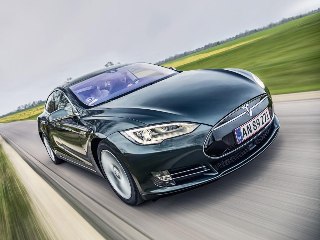 Убыток Tesla Motors вырос на 70%