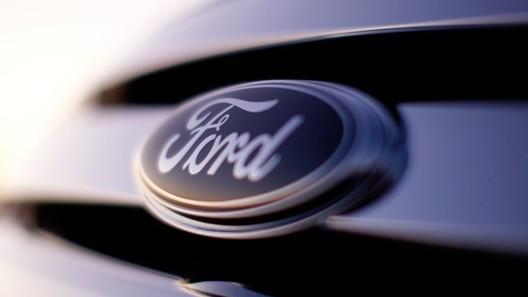 Ford начнет сборку машин без руля и педалей через 5 лет