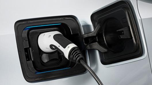 Бывший глава Volvo обещает завалить планету электромобилями
