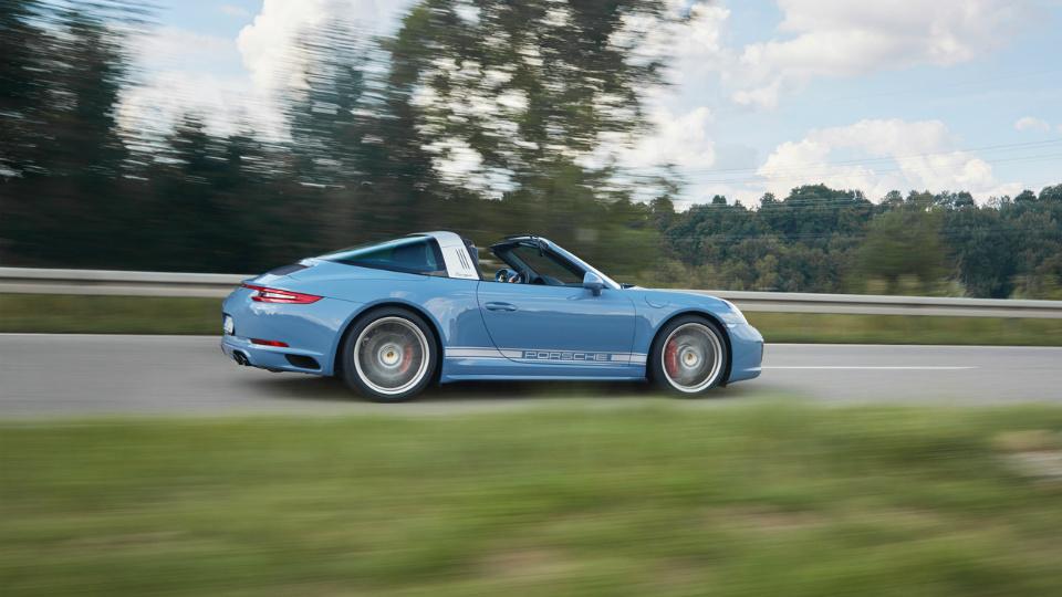 Компания Porsche сделала ретро-версию «Тарги»