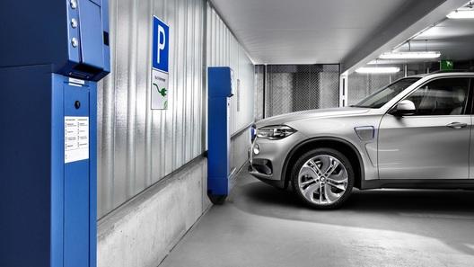 В новостройках Москвы могут появиться зарядки для электромобилей