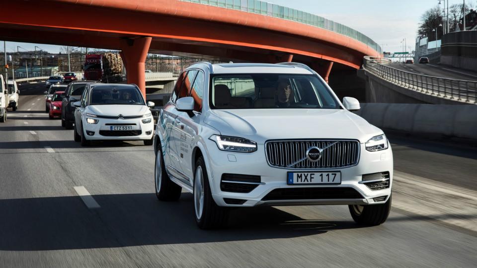 В Volvo назвали стоимость автопилота для своих машин