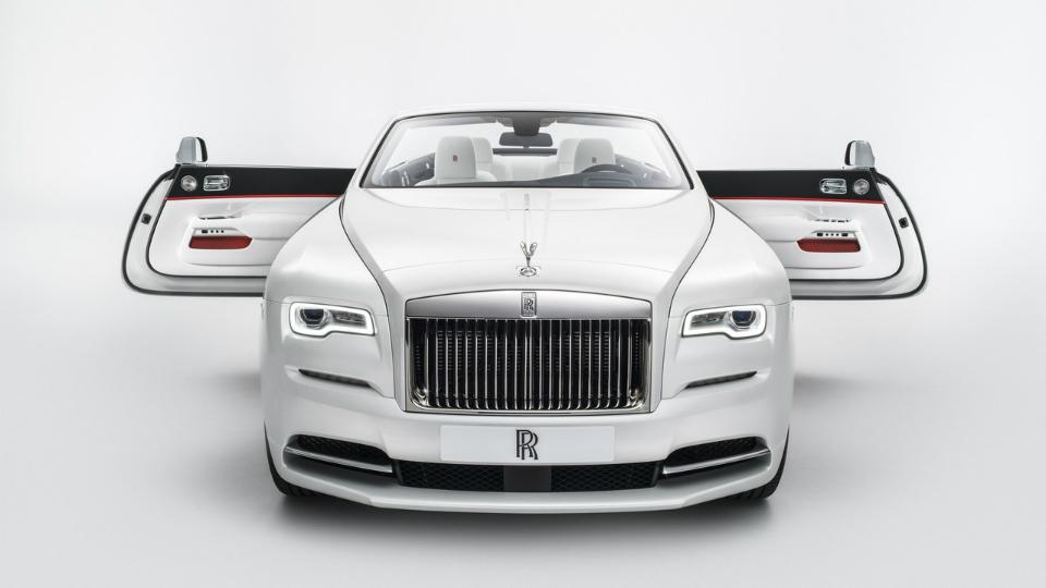 Rolls-Royce представил Dawn с разноцветными крышами