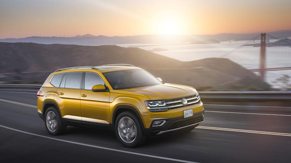Volkswagen представил пятиметровый семиместный кроссовер