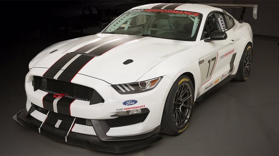 Ford подготовил «Мустанг» к кузовным гонкам