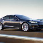 """Электромобили Tesla могут получить систему """"ЭРА-Глонасс"""""""