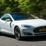 Автопилот Tesla смог «предсказать» аварию