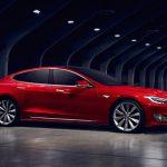 """Tesla спрятала """"пасхалку"""" в обновлении софта для самых мощных моделей"""