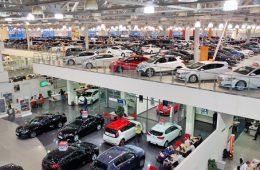 В январе автопроизводители вновь повышали цены