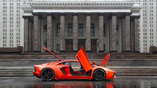В России отзовут десятки Lamborghini из-за риска пожара