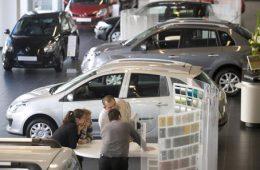 Продажи на российском рынке продолжают снижаться