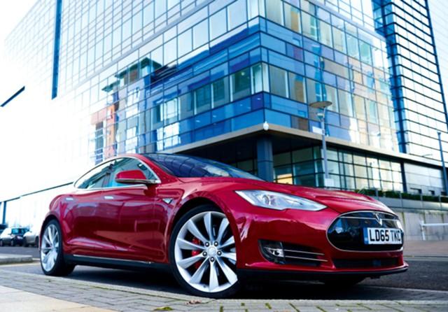Tesla увеличила чистый убыток на 40%