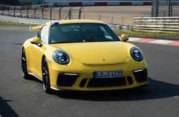 Новый Porsche 911 GT3 стал быстрее на Нюрбургринге на 12 секунд