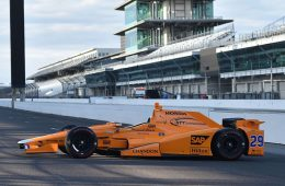 McLaren показал машину Алонсо для «Инди-500»