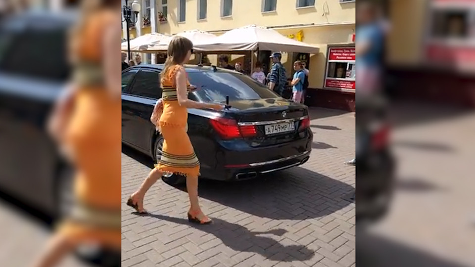 Водитель BMW напал на женщину: вмешался Бастрыкин