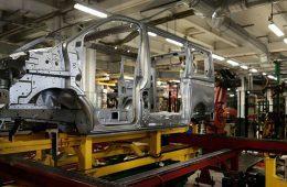 Заводы Renault-Nissan остановились из-за кибер-атаки