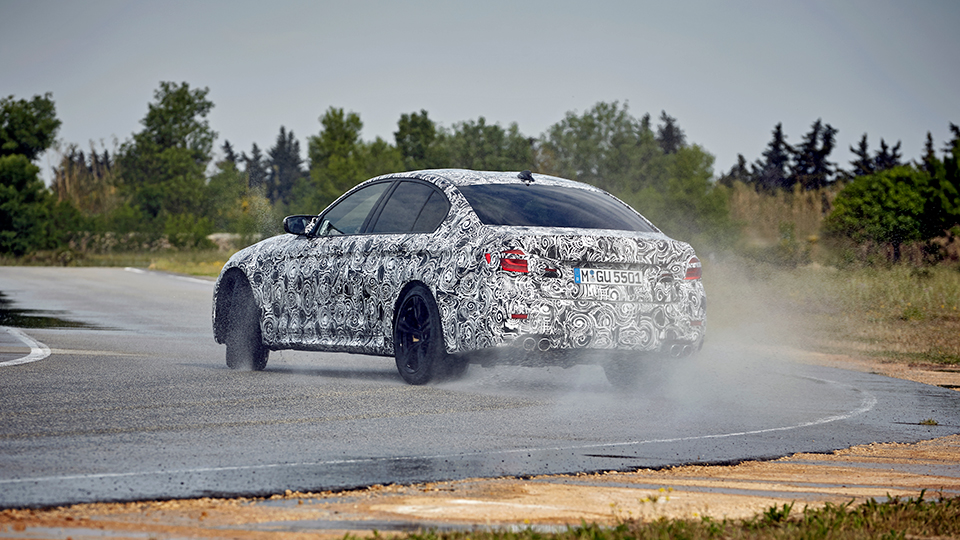 BMW M5 получит полный привод и восьмиступенчатый «автомат»