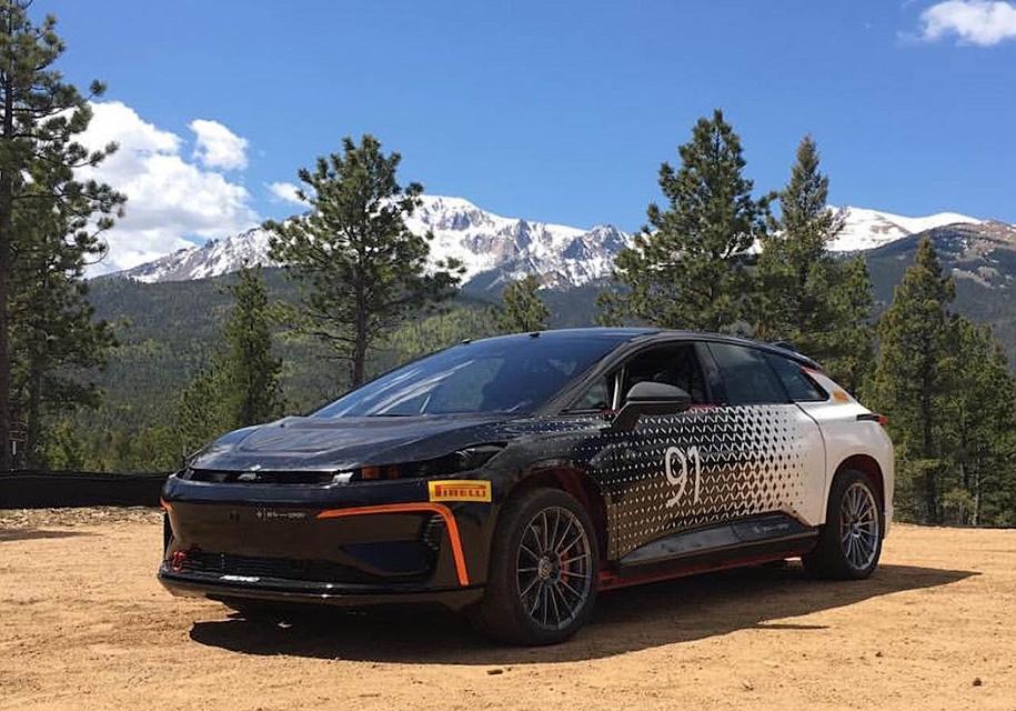 Электрокроссовер Faraday Future примет участие в гонке на горе Пайкс Пик