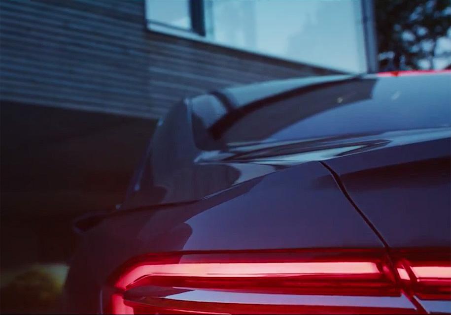 Новый Audi A8 сможет парковаться без водителя