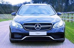 Продажи люксовых авто в России упали на 15% в мае