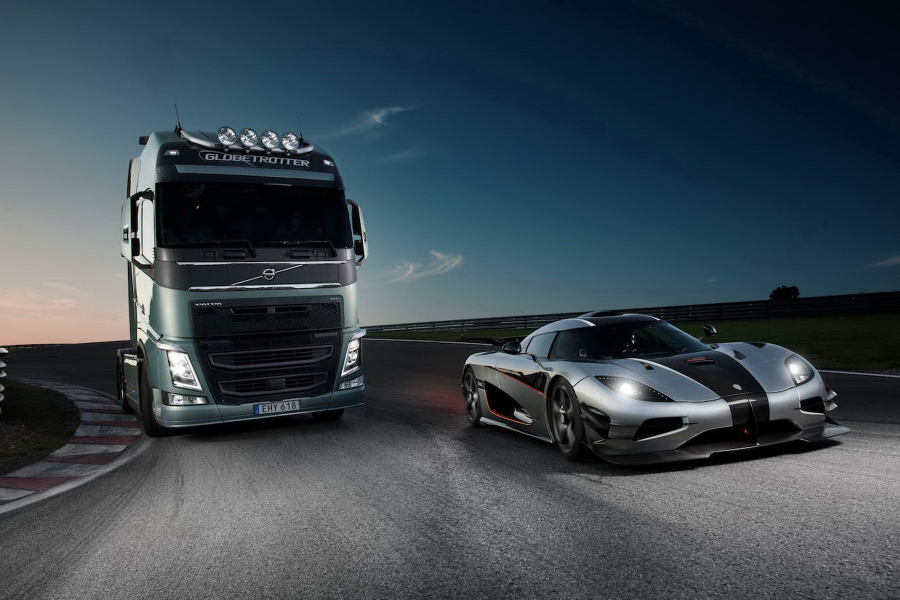 Новый рекорд Volvo: грузовик в подарочной упаковке