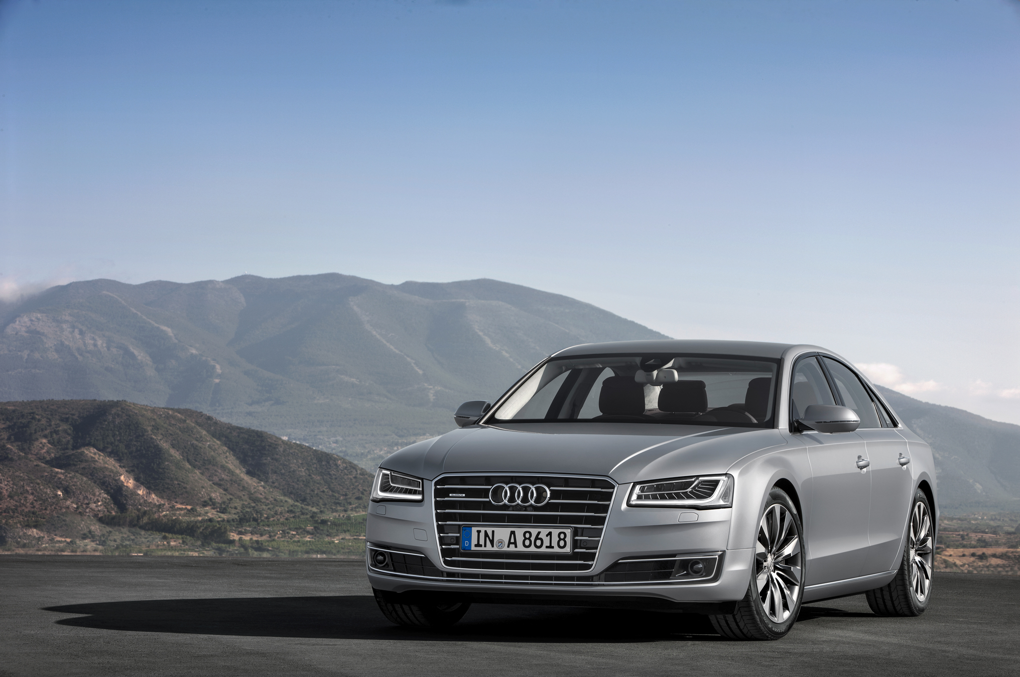 Новая Audi A8: в России уже в ноябре