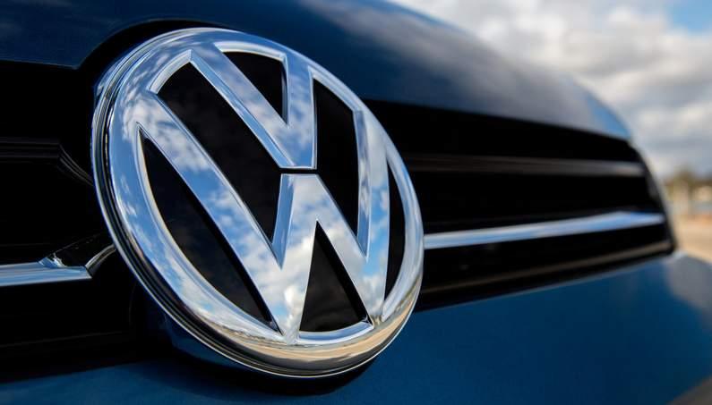 На дорожных тестах в Германии замечен модернизированный Volkswagen Arteon