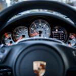Porsche компенсирует покупку солнечных очков владельцам спорткаров