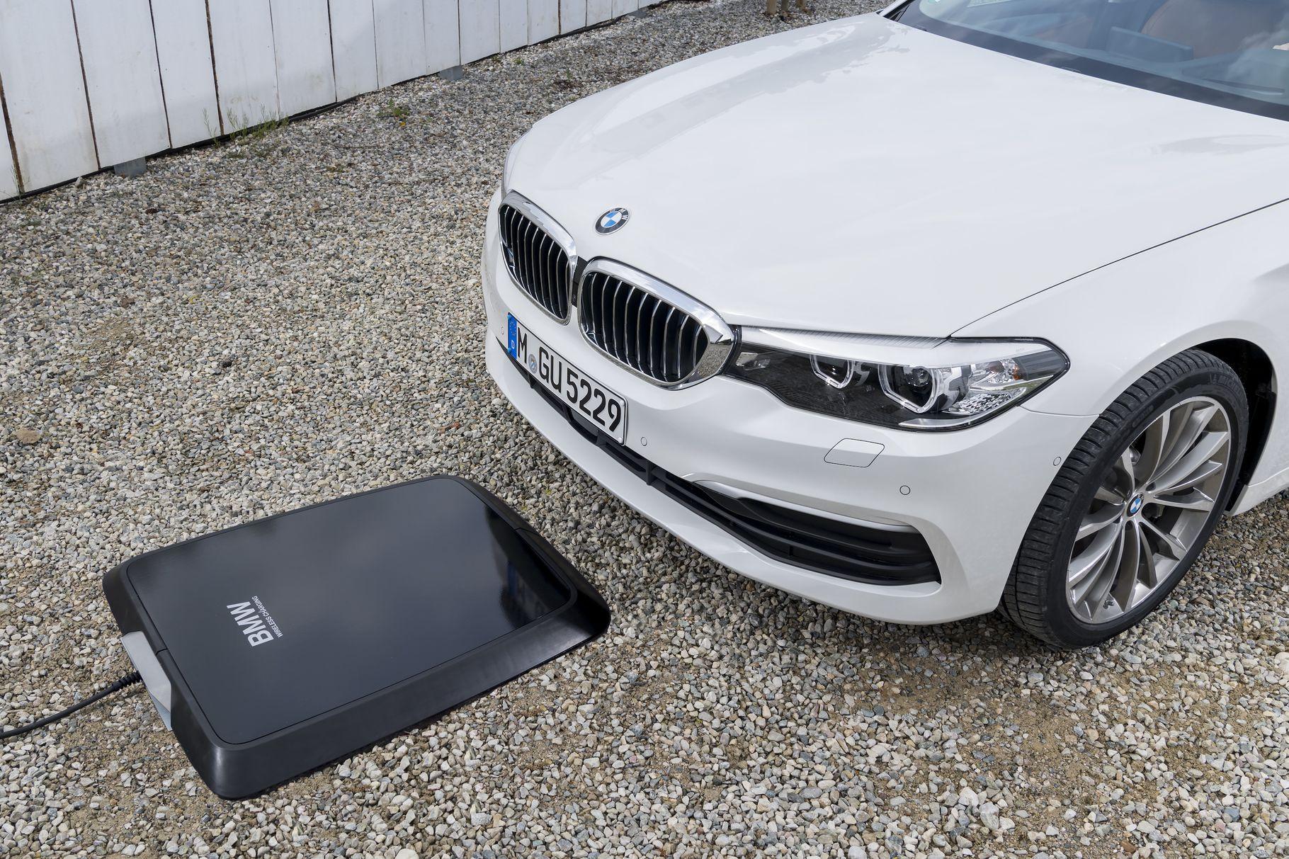 BMW показала беспроводную зарядку (а мы ее протестировали)