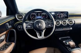Mercedes-Benz показал салон A-Class нового поколения