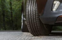 Когда нужно менять изношенные шины? Нормы, индикаторы пробега покрышек