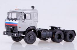 Российский рынок на подъёме: продажи автобусов выросли на 13%, грузовиков — на 50%