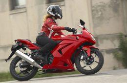 Мотоцикл для девушки: какой выбрать?