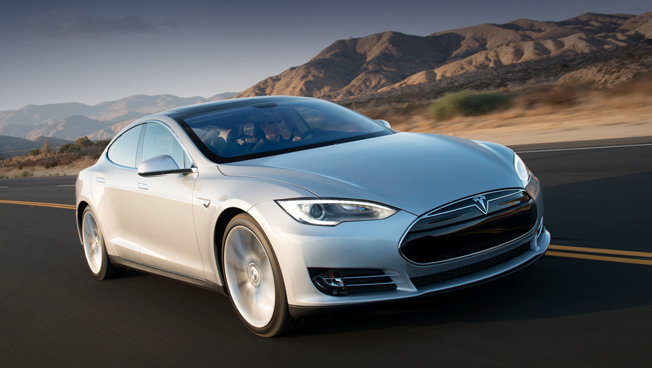 Компании Tesla придётся отозвать электрокары в России