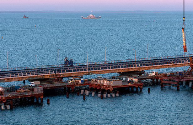 ВКерчи открывается движение попутепроводу уКрымского моста О