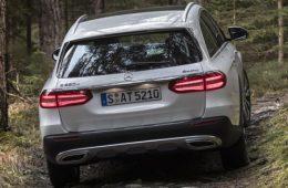 Универсал Mercedes-Benz C-Class получит кросс-версию