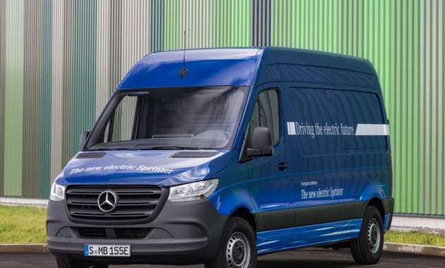 Электрический Mercedes-Benz eSprinter может проехать 150 км без подзарядки