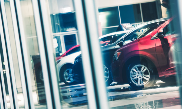 Депутаты одобрили: покупатели смогут получать автономера для машин у дилеров