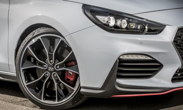 «Заряженный» фастбек Hyundai i30 N уже атакует Нюрбургринг