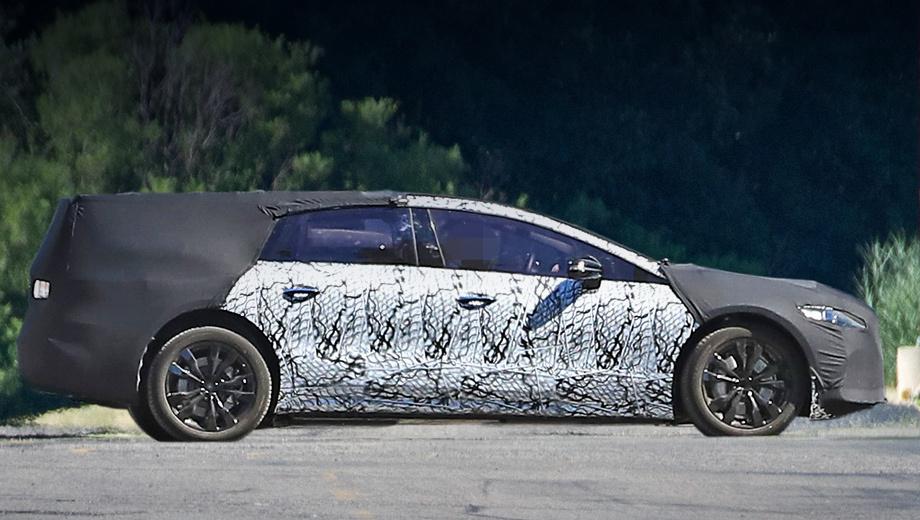 Электрический седан Mercedes EQS обрёл серийные формы