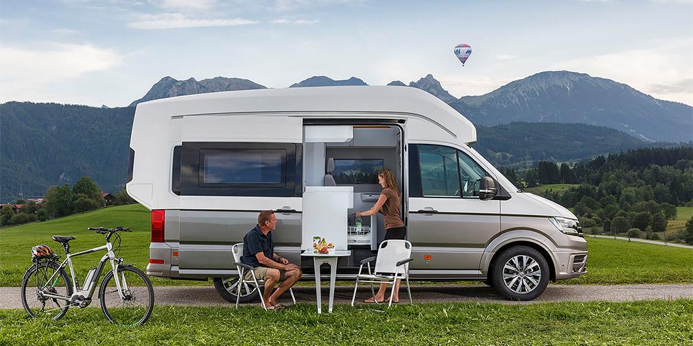 Volkswagen представил кемпер со спальней, кухней и душем