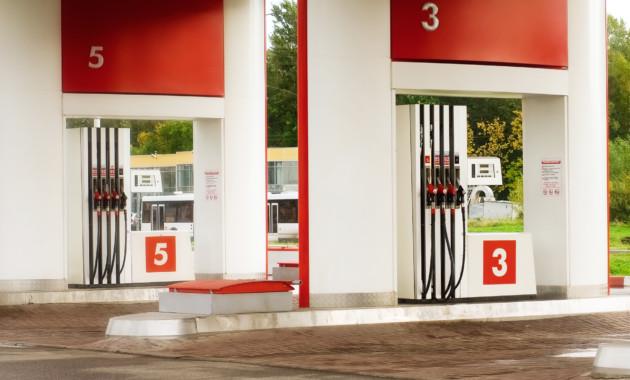 Где недоливают топливо? Количество жалоб на АЗС выросло в столице России